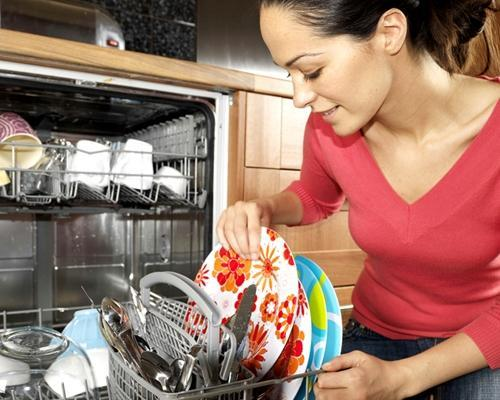 here-are-a-few-common-mistakes-homeowners-make-with-their-dishwasher_16001080_65087_1_14102347_500