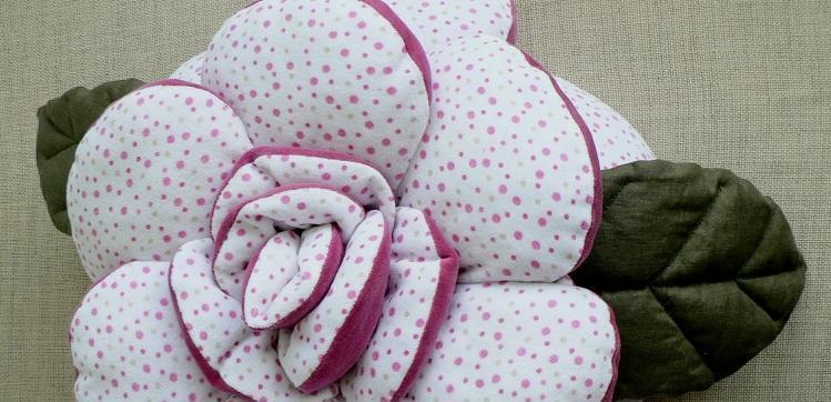 pillow_rose_2sides_2fabrics_01