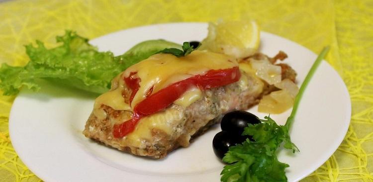 gorbusha-v-duxovke-s-syrom-i-pomidorami_1499780925_1_max