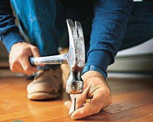 Как убрать скрип деревянного пола в квартире?