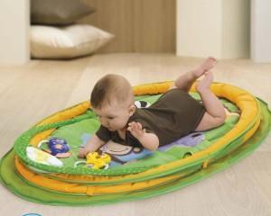 Как выбрать развивающий коврик для малыша?