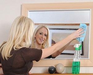 Чем отмыть стекло от краски