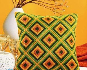 Как оформить вышивку в подушку?