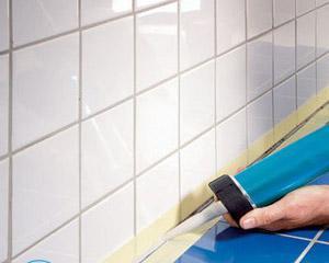 Как убрать силиконовый герметик с пола?