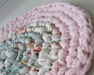 Чехол на табурет крючком — схемы для пошива