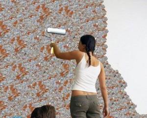 Как снять жидкие обои со стены?