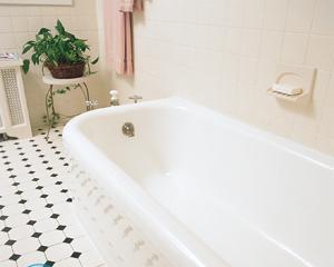 Чем заделать скол эмали в ванной?