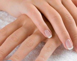 Сохнет кожа вокруг ногтей на руках
