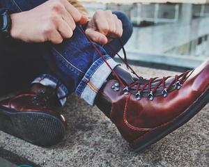 Как прошить обувь своими руками?