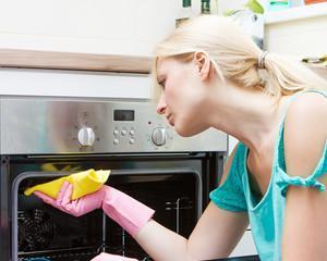 Очистка духовки пиролитическая — что это такое?