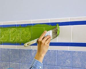Как обновить кафельную плитку в ванной своими руками?