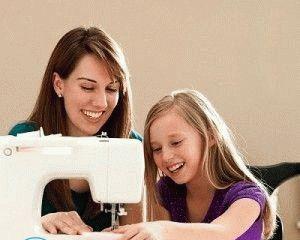 Как настроить ручную швейную машинку?