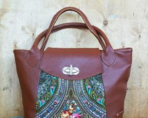Как можно украсить кожаную сумку?