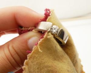 Как вернуть серебру блеск в домашних условиях?