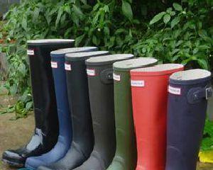 Уход за резиновой обувью