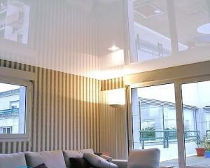 Натяжной потолок и шкаф-купе — что делать сначала?