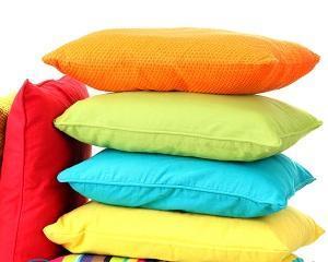 Как чистить перьевые подушки в домашних условиях?
