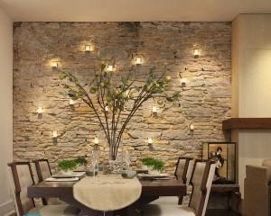 Как клеить декоративный камень на стены с обоями?