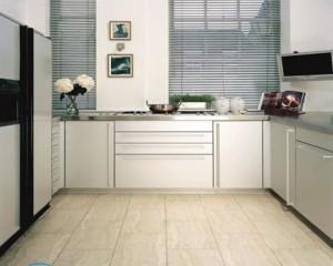 Чистка кафеля на кухне