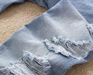 Как сделать джинсы потертыми в домашних условиях?