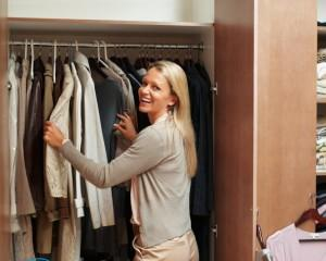 Плесень в шкафу с одеждой — как избавиться?