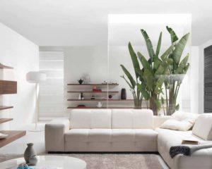 Дизайн гостиной — серые стены и паркет