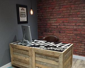 Как покрасить деревянный стол?