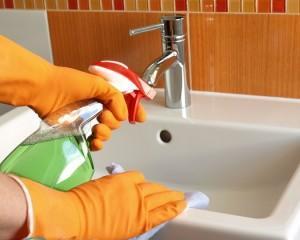 Как удалить налет в ванной?