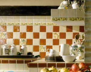 Установка розеток на кухне на фартуке