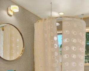 Как установить карниз для ванной раздвижной?