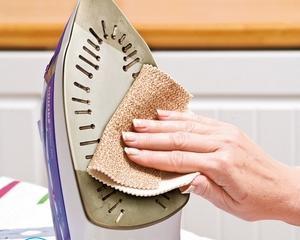 Как почистить утюг от нагара с керамическим покрытием?