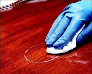 Как почистить полированную мебель в домашних условиях?