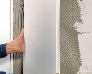 Как крепить пластиковые плинтуса к бетонной стене?