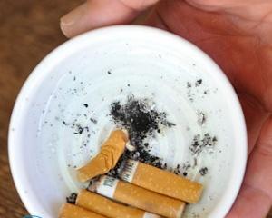 Как убрать запах табака с одежды?