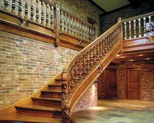 Как устранить скрип деревянной лестницы?