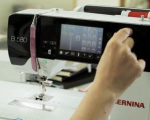 Как выбрать швейную машинку с оверлоком для дома?