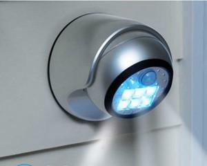 Как поменять лампочку в точечном светильнике?