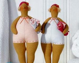 Как сделать штаны для куклы?